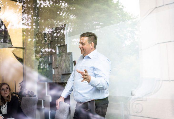 Jochen Dieckhoff Zahlenwelt im Meeting mit Kunden
